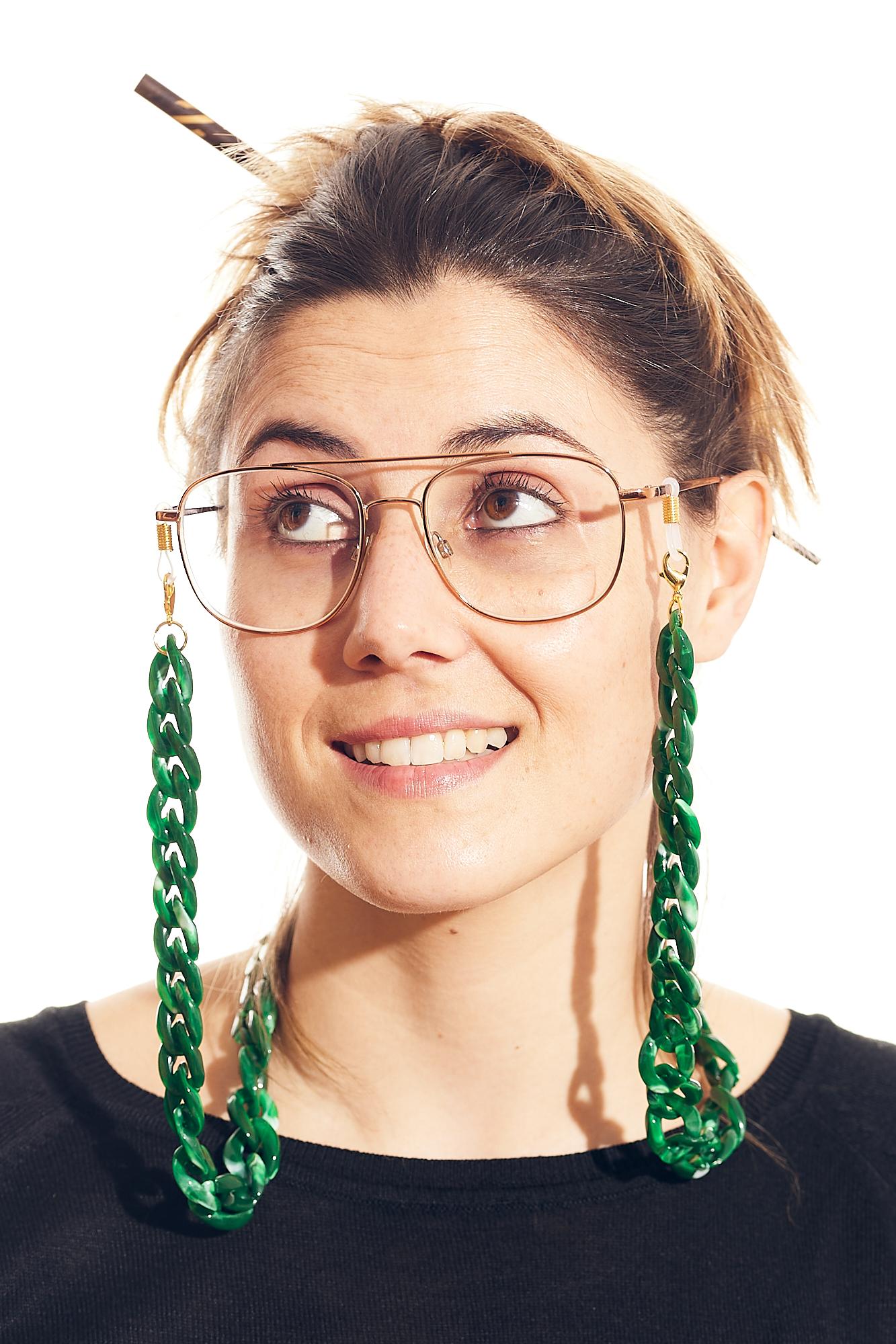cadena gafa y mascarilla verde