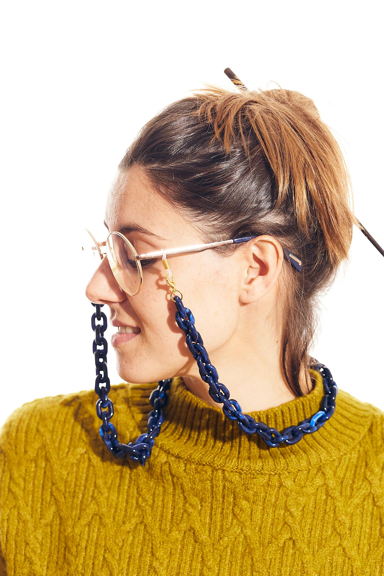 cadena gafa y mascarilla azul