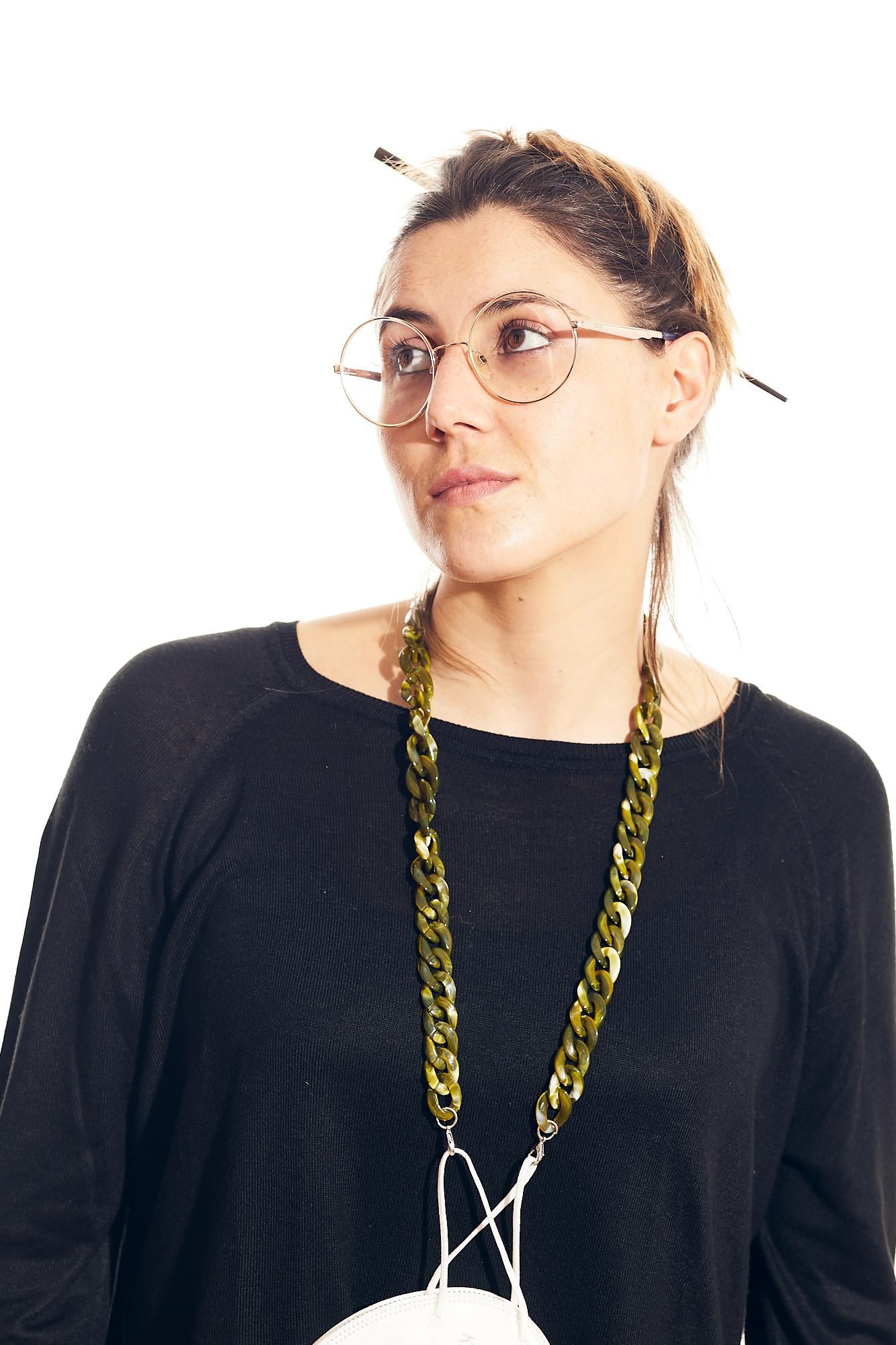cadena gafa y mascarilla verde oliva